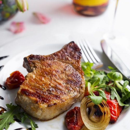 grilled-beefsteaks-and-vegetables-684x1024